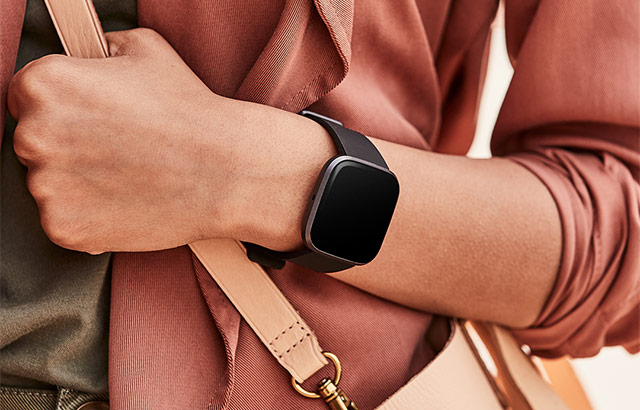 Lo smartwatch Fitbit Versa 2